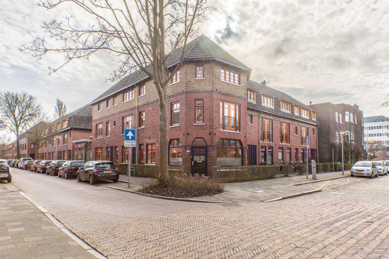 Bekijk foto 2 van H.A. Kooykerplein 5