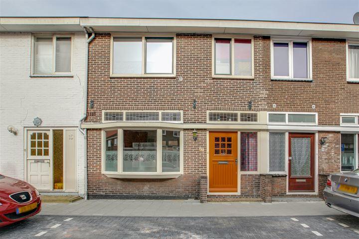 Veeringstraat 17