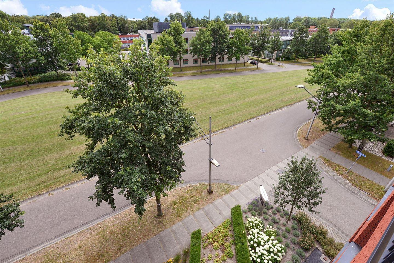 Bekijk foto 2 van Delftechpark 37