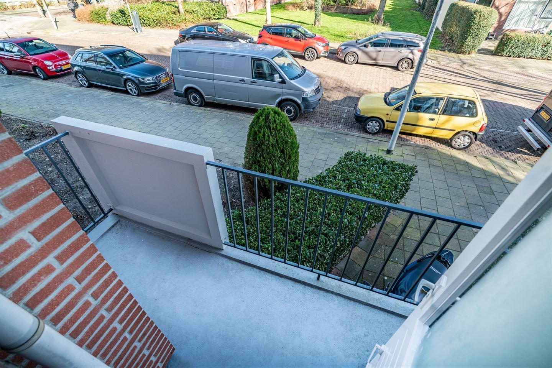 Bekijk foto 4 van Peter van Anrooystraat 13