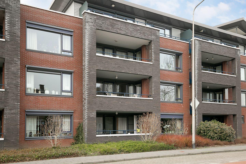 Bekijk foto 1 van Burgemeester Schuitestraat 76