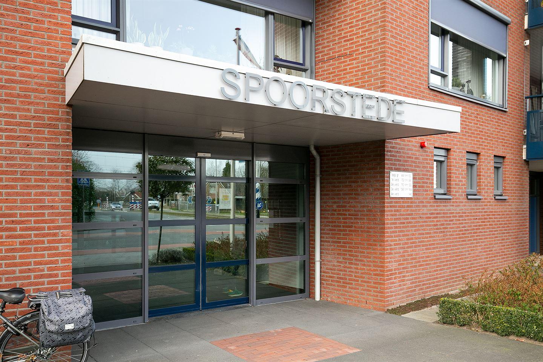Bekijk foto 2 van Burgemeester Schuitestraat 76
