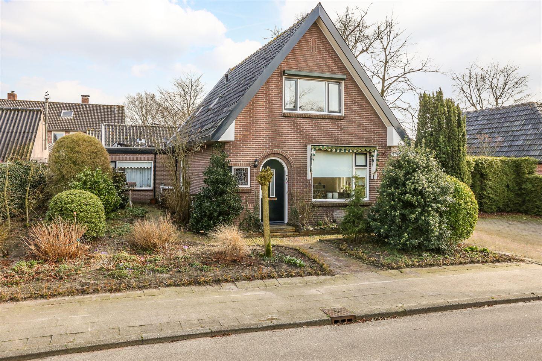 View photo 1 of Kerkweg 75