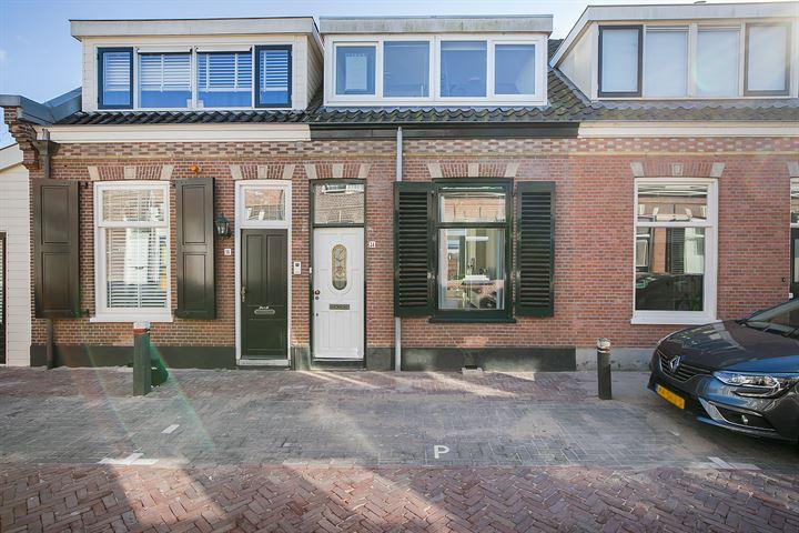 J.W.C. Bloemstraat 14