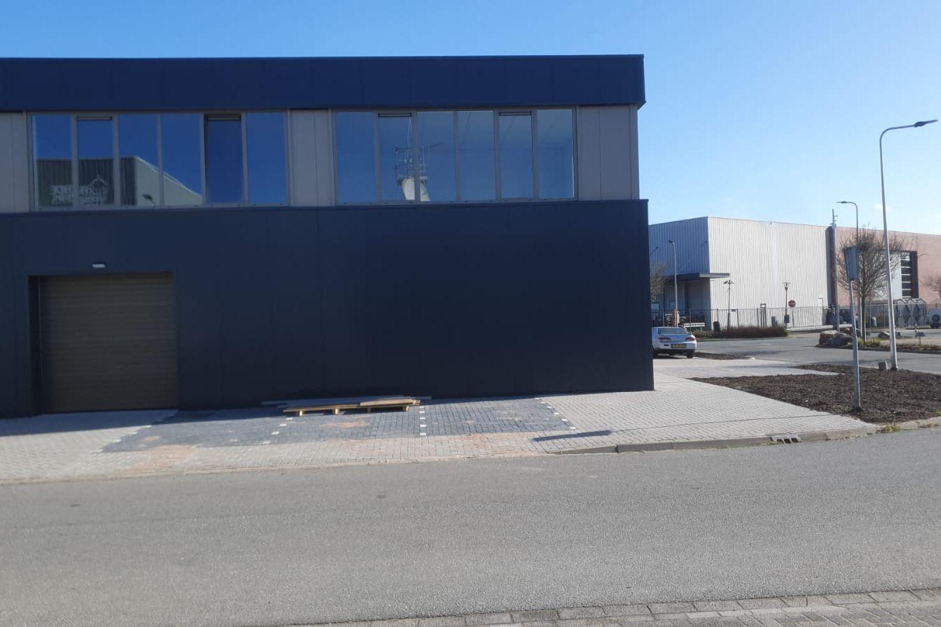 Bekijk foto 2 van Madame Curiestraat 7 D