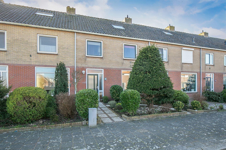 Bekijk foto 2 van Pieter van der Deurelaan 46
