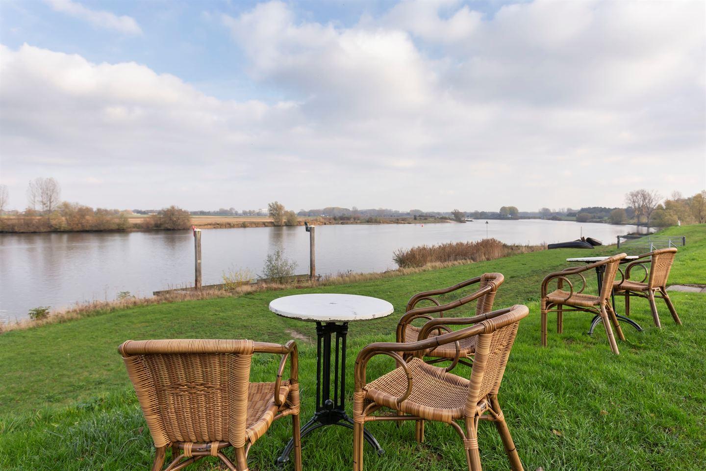 Bekijk foto 3 van Bokhovense Maasdijk 12