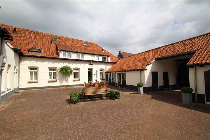 Dorpsstraat 83