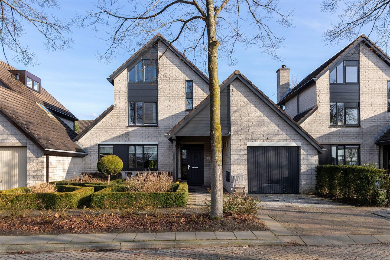 View photo 1 of Laan van Westmolen 73