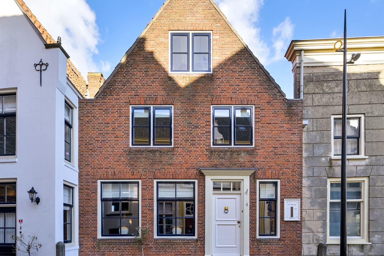 Bekijk foto 1 van Voorstraat 4