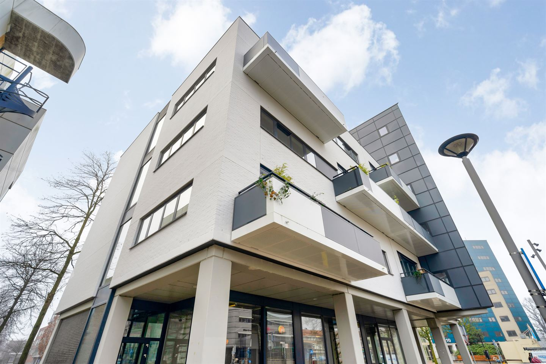 Bekijk foto 2 van Spuiboulevard 104 E