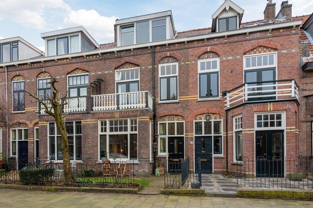 View photo 1 of Gerard Doustraat 42