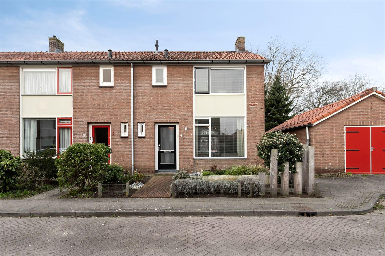 Bekijk foto 1 van Eefdestraat 4