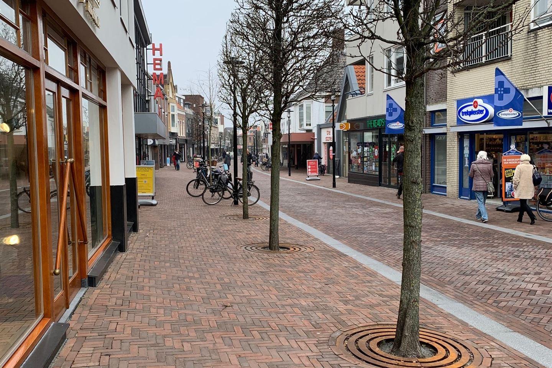 Bekijk foto 2 van Middenstraat 2 G
