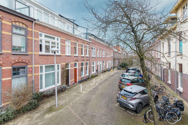 View photo 2 of Hendrick de Keyserstraat 8
