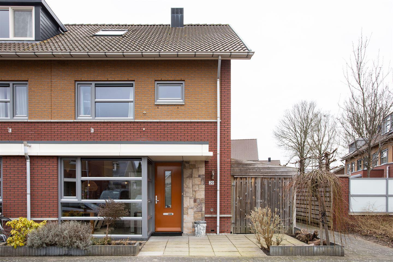 Bekijk foto 1 van Joan van Broekhuizenlaan 29