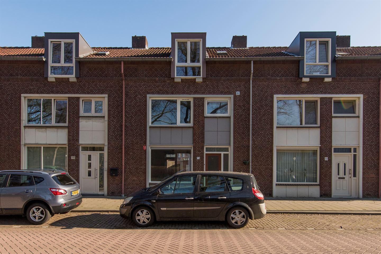 Bekijk foto 1 van Van Limburg Stirumlaan 75
