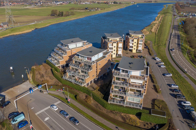 Bekijk foto 2 van Scheepswerf 112