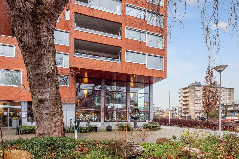 Bekijk foto 4 van Van Esveldstraat 255