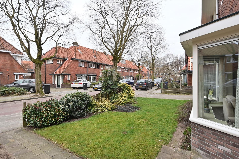 Bekijk foto 2 van Castorstraat 24