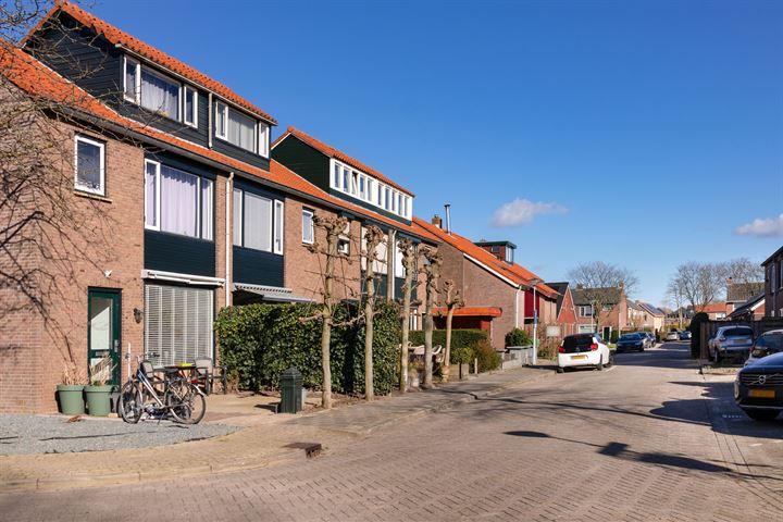 van Gaesbeekstraat 14