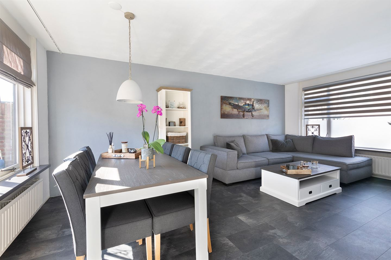 Bekijk foto 2 van Pieter de Hooghstraat 19