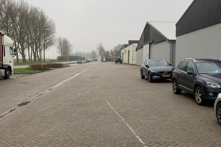 Bekijk foto 2 van Vaartweg 48
