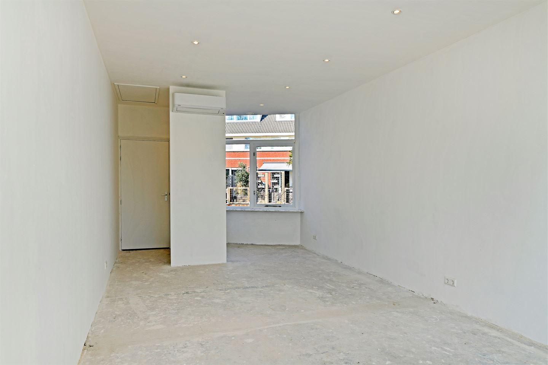 View photo 3 of Van Staverenstraat 39 C