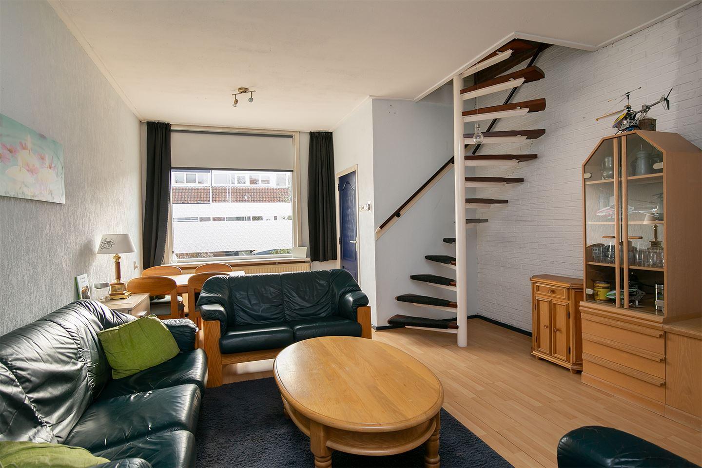 Bekijk foto 2 van Constantijn Huygensstraat 58