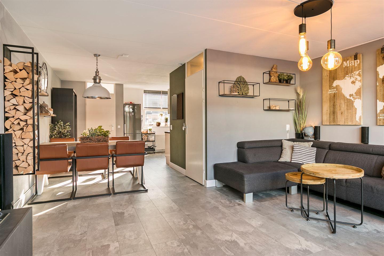 Bekijk foto 2 van Randwijkstraat 9