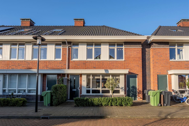 View photo 1 of Dokter De Vliegerstraat 20