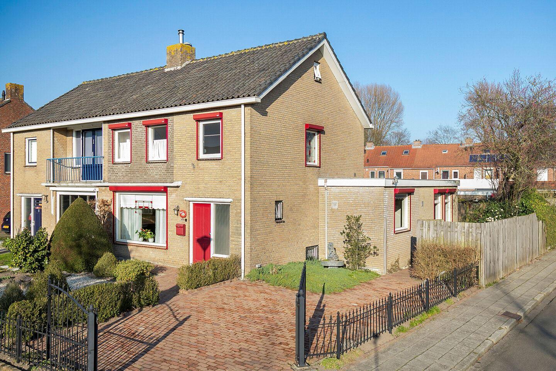 Bekijk foto 3 van Van Gaverenlaan 28