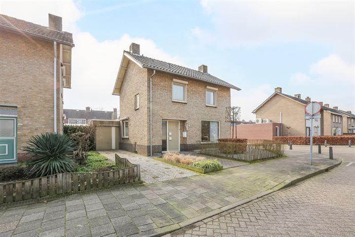 Cornelis Trompstraat 52