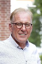 Th. van Casteren (Director)