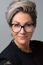 Corina Sandifort (Office manager)