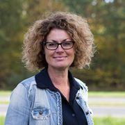 Tina (J.) Scheepstra - Commercieel medewerker