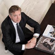 T.D.B. van den Brink - Commercieel medewerker