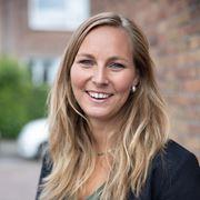 Faye Frerichs - Secretaresse