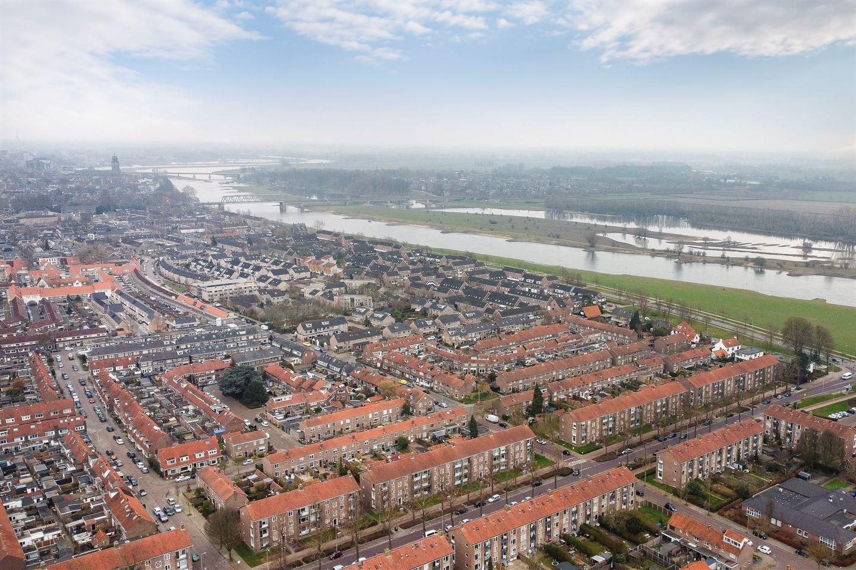 View photo 2 of Pieter de Hooghstraat 46
