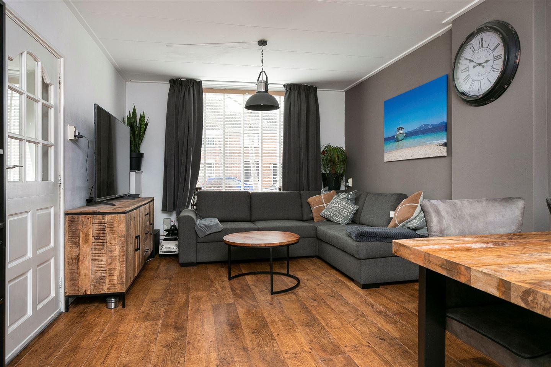View photo 4 of Pieter de Hooghstraat 46