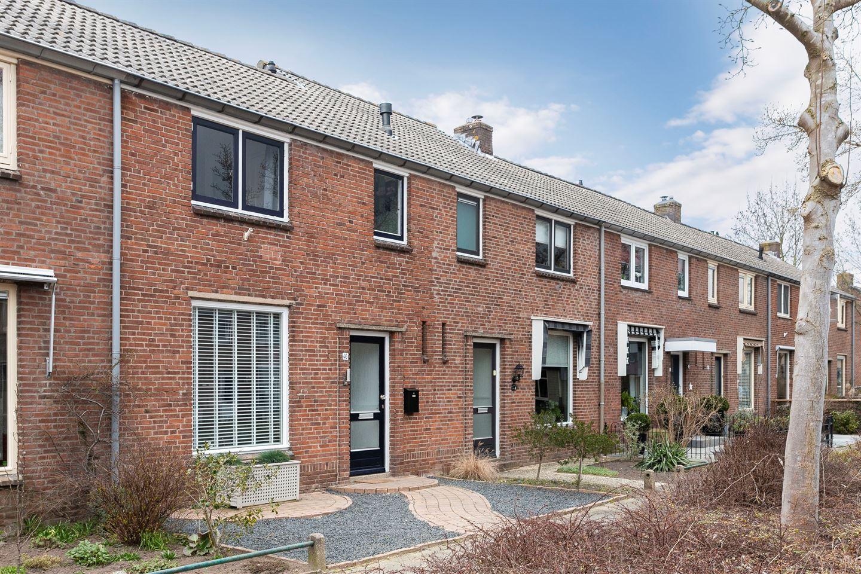 View photo 3 of Pieter de Hooghstraat 46