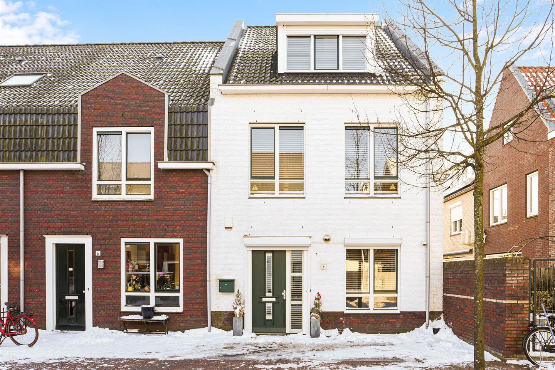 Bekijk foto 1 van C. Kruyswijkstraat 4