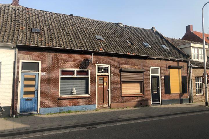 Hoefstraat 132 - 134