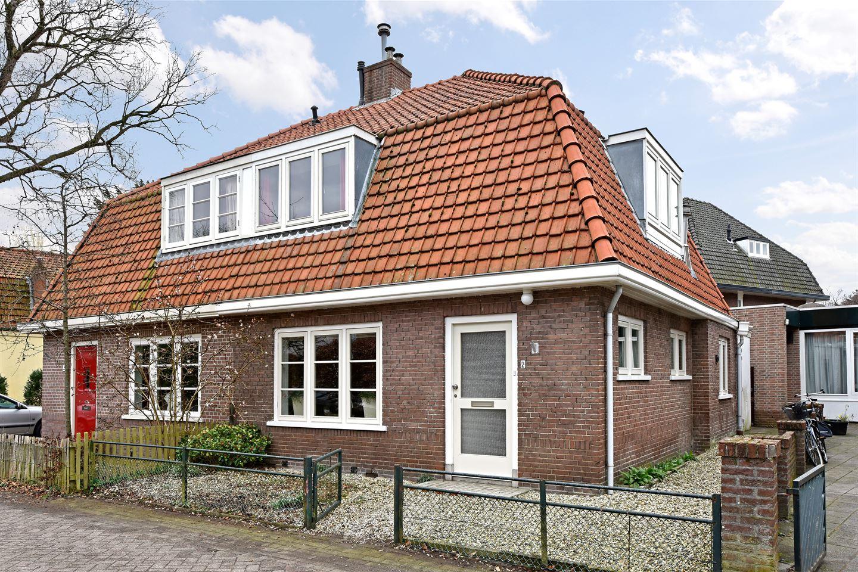 Bekijk foto 1 van van der Muelenstraat 2