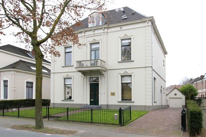 Regentesselaan 5, Apeldoorn
