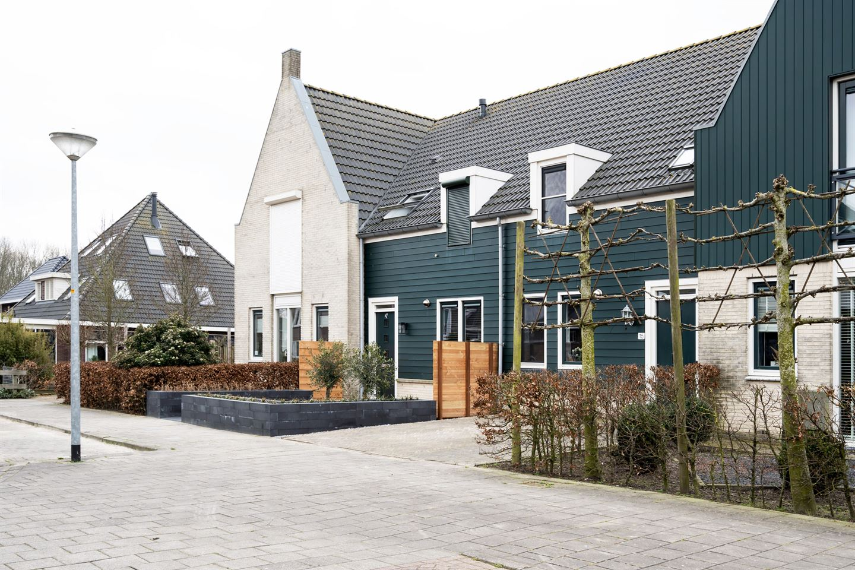 Bekijk foto 2 van Sneekerhof 15