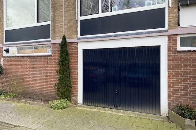 Bekijk foto 1 van Evertsenstraat