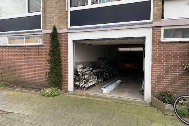 Bekijk foto 2 van Evertsenstraat