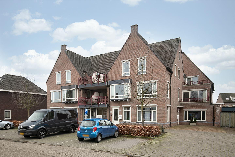 Bekijk foto 1 van Burgemeester Magneestraat 28 D