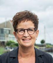 Tineke Dijkstra-Wijnja - Secretaresse